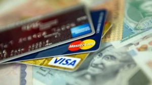 517869-credit-debit-cards